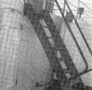 Abb. 13 Niedergang zum Schornsteindeck