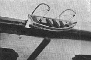 Abb. V-2 Kleines Boot mit Davits an dem vom Verfasser nachgebauten Modell im Verkehrsmuseum Berlin