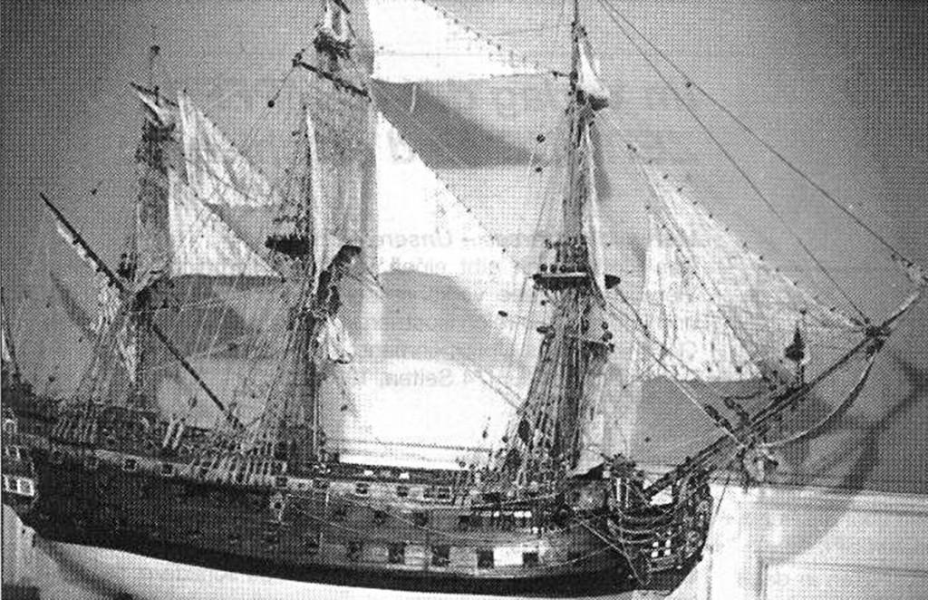 Abb. 1: Seitenansicht des russischen Schiffes des 1. Ranges ZACHARIAS UND ELISABETH von 1745. Restauriert 1953/54 vom Autor. Privatsammlung S.K.H. des Erbgroßherzogs von Oldenburg im Schloß Eutin. (Photos und Zeichnungen vom Autor)
